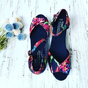 TOMS | Birds of Paradise Peep Toe Wedge Sandal
